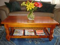 Wooden Coffee Table with Turned Legs