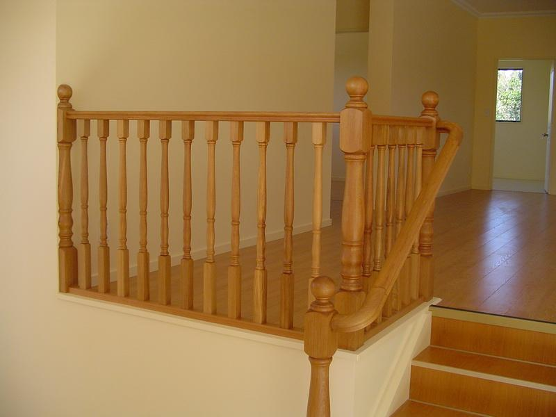 Rimu Wooden Handrail & Bends